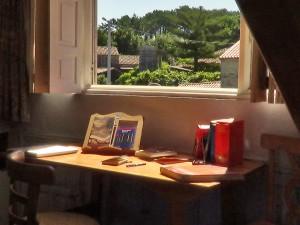 Unha das habitacións da Residencia de Escritores de Rianxo