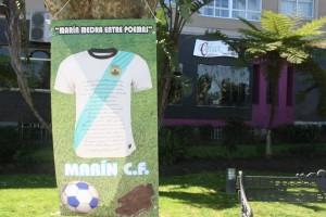 Un dos carteis/ Foto: Queremos Galego de Marín